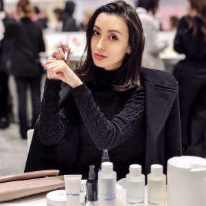 最新の美容情報を勉強するため、化粧品会社が主催している発表会には足を運ぶようにしています。