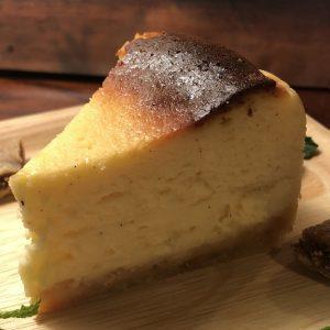 「ベイクドチーズケーキ」648円