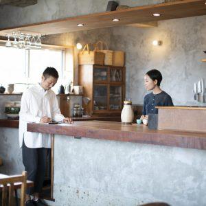 【鎌倉の暮らし】〈aiaoi〉オーナー・小室裕子さん「仕事しながらも、自分たちらしくいられるバランスが必要」