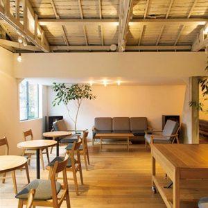 2Fはゆったりと落ち着けるカフェスペース。ワークショップが開かれることも。
