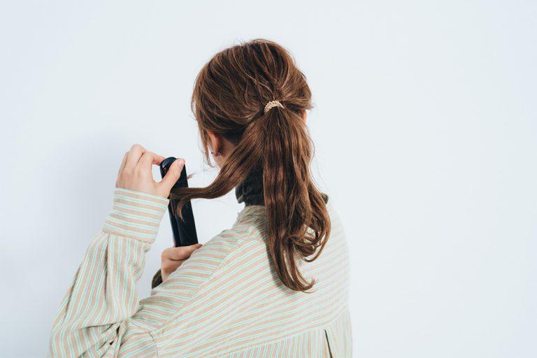 3.1~2の内巻き、外巻きを、残りの毛束も同様に繰り返す。波のようなウェーブに。