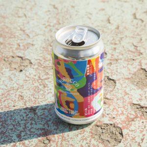 ローカルに愛される鎌倉メイドのクラフトビール。「TIME IS MONEY」(販売終了)は地元アーティストによる限定デザイン。