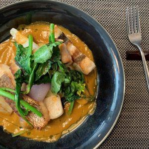 白身魚と野菜のポワレ。