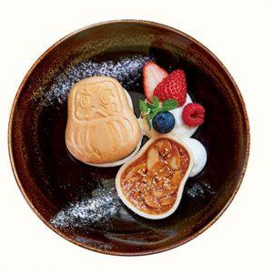 写真を撮らずにはいられない、セットランチデザートの「だるまモナカ みたらしアイス入り」300円。