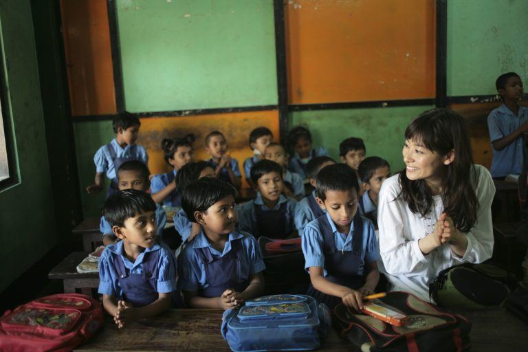 フェアトレードは地域や生産者の子供が無料で通える学校を運営するお金も生み出す。
