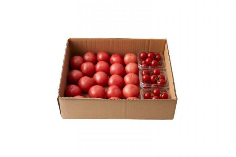 〈ポケットマルシェ〉で頼める〈デ・リーフデ北上〉の愛・ある・トマト、ミニトマトセット。大玉トマト約2kg、ミニトマト約450gで2,592円。