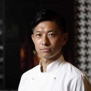 〈KYOTO BISTRO〉料理長の平久江シェフ。