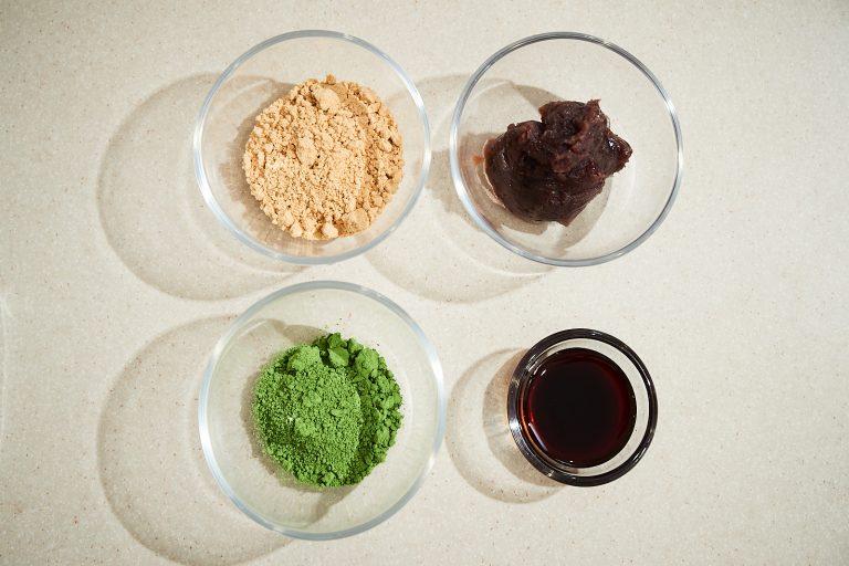 トッピングはきな粉や黒蜜、あんこ、抹茶などお好みで。