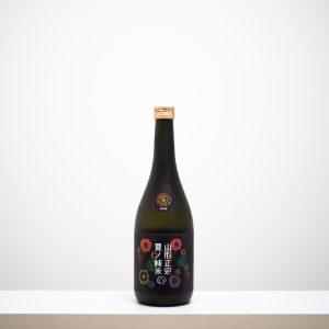 山形県天童市の水戸部酒造の代表銘柄「山形正宗」の夏季限定酒がこちら。花火のラベルがなんとも夏らしい。