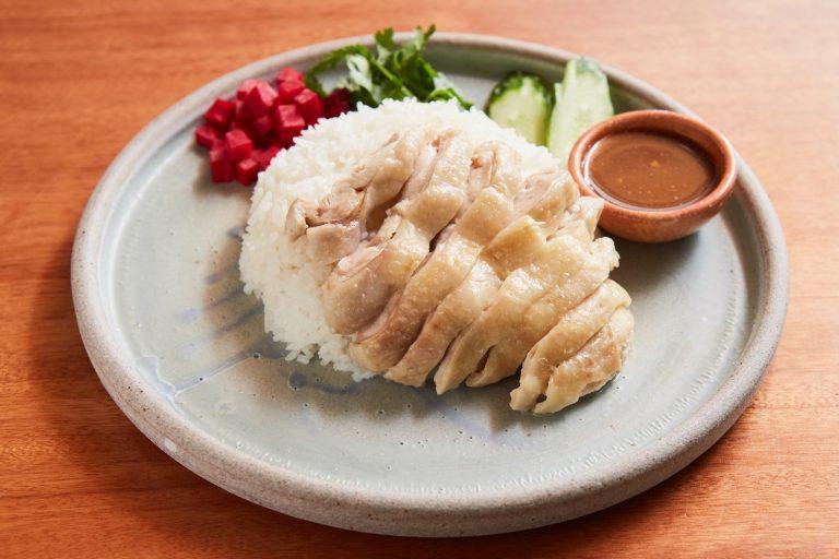 特製タレと鶏肉が相性抜群「カオマンガイ」800円