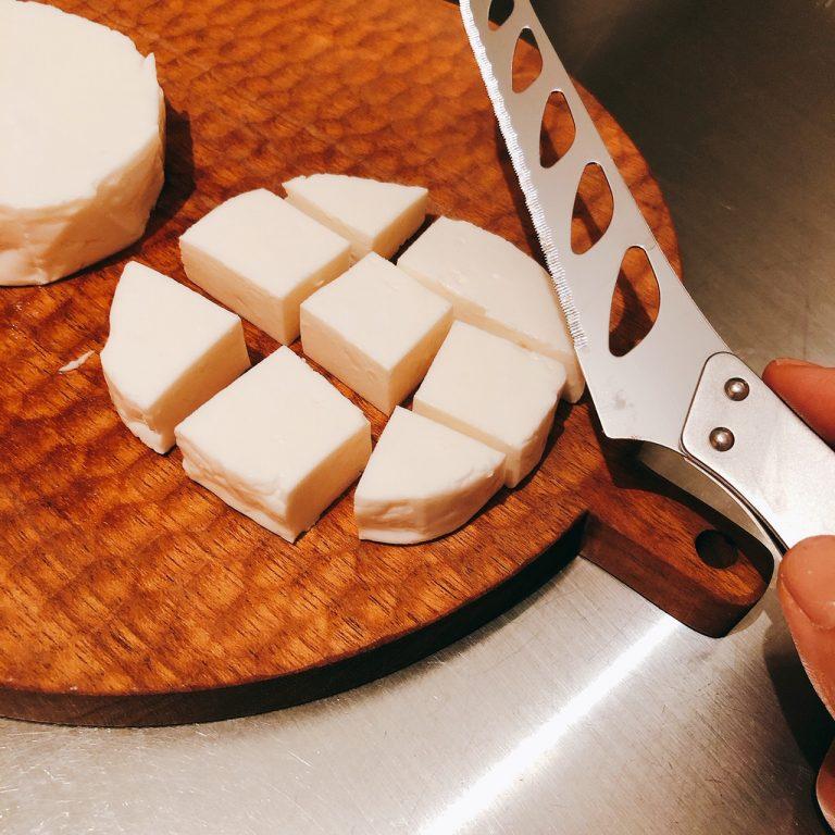 〈ビルミルク〉の「ミナスチーズ」
