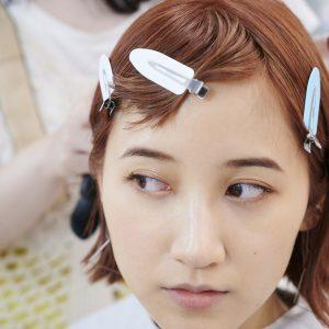 目の横幅を出したいという谷奥さん。河村さんの技術で、ナチュラルなのに印象的な目元に。
