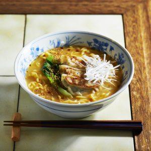 スーパーのお惣菜・缶詰で作る簡単麺レシピ3選!仕事終わりも楽チン。