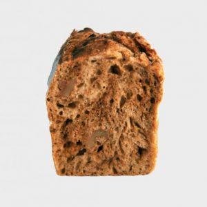 〈cimai〉は「黒糖くるみ」をはじめ、甘いパンもお手の物。妹はイーストで食パン、あんバターなど。余計な要素を削ぎ落とし、シンプルなおいしさ。