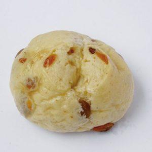 「ぶどうぱん」(70円) 大人気「八雲食パン」の生地にレーズンを入れモチモチとした食感を増強。