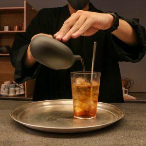 「紅ほうじ茶アマレット」600円(税込)。