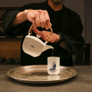 「釜炒り玄米茶」500円(税込)。
