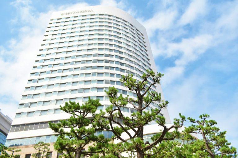東京湾を一望できる〈インターコンチネンタル東京ベイ〉。