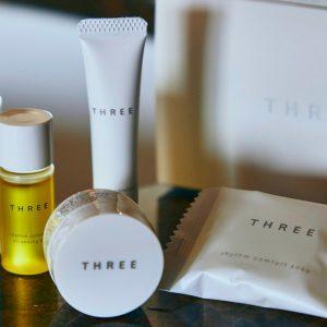 人気ブランド〈THREE〉のアメニティは国内初。