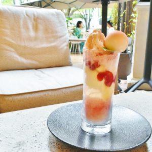 「桃と酒粕のかき氷」 1,800円。