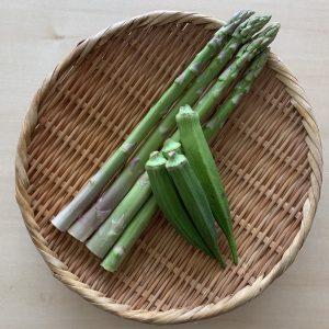 今回は季節の関係で菜の花ではなくアスパラガスとオクラを使ってみました。