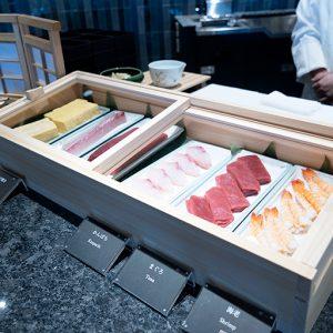 新鮮な寿司ネタもスタンバイ。