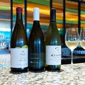 「千曲川ワインバレー デギュスタシオンセット」(2,000円)は 70mlずつ3種類が飲み比べできます。