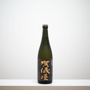 """愛媛県の成龍酒造の人気銘柄「伊予賀儀屋(いよかぎや)」。""""酒は料理の脇役なり""""をモットーにしており、食事との相性は抜群。"""