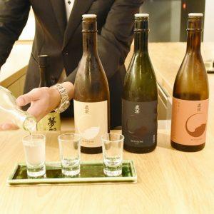〈Sake-Bar TABLE TSUKI〉では、日本酒の美味しさと向き合える。
