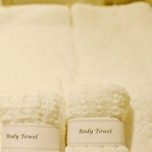 ふっくらとしたやわらかな風合いと肌ざわりが心地の良い今治産のタオル。