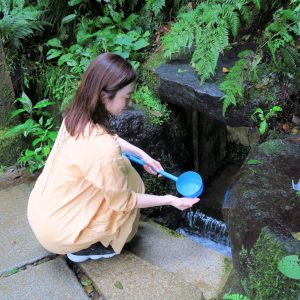 清水は持ち帰ることも可能。ただし、飲む際は必ず煮沸を…!