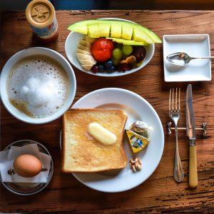 【京都】パリの屋根裏のようなコーヒーサロン〈Le café de BenoÎt〉へ。~カフェノハナシ in KYOTO〜