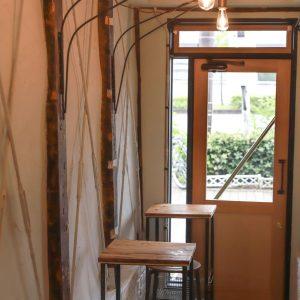 こんなところにも隠れたカフェ席が。
