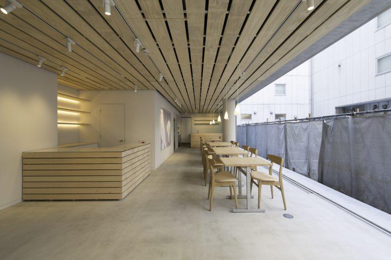 池袋 hotel Shiro フロント・Café