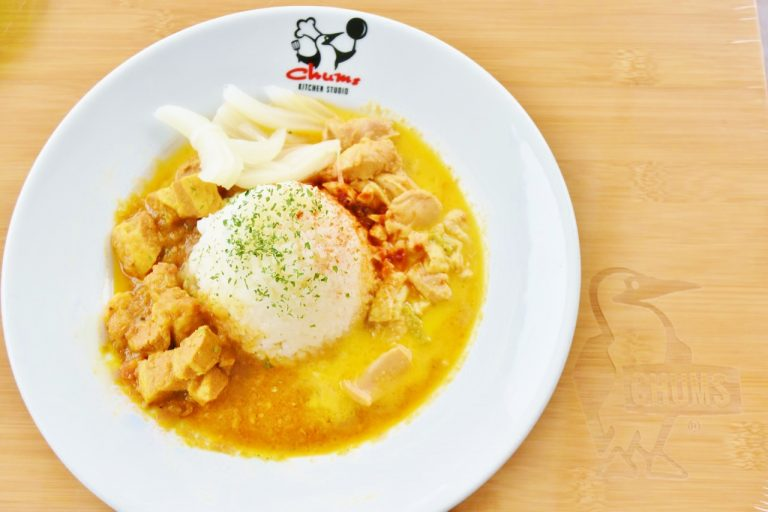 「バターチキン&ポークカレー」 1,300円(税込)。