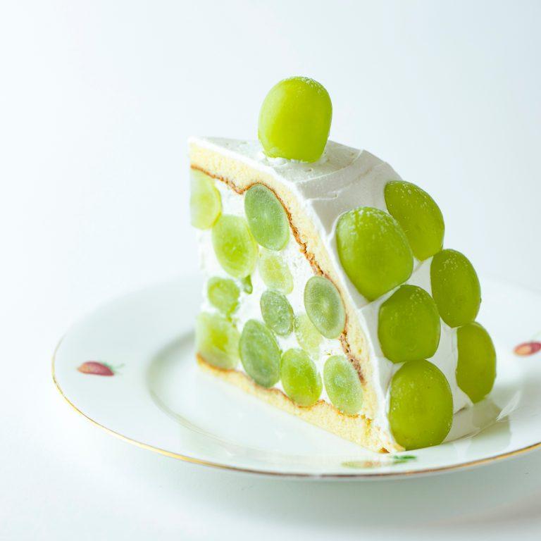 5.フルーツの魅力を丸ごと味わえるケーキ〈果実園リーベル〉/6F