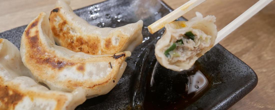 肉汁がたっぷり詰まった餃子専門店〈肉汁餃子のダンダダン〉が広島に初オープン!