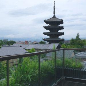 滞在する部屋から八坂の塔が見える、贅沢なロケーション。