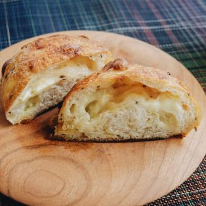 この真っ白なチーズ&バターに波乗りしたいという夢はいつか叶うのだろうか(不可能)。