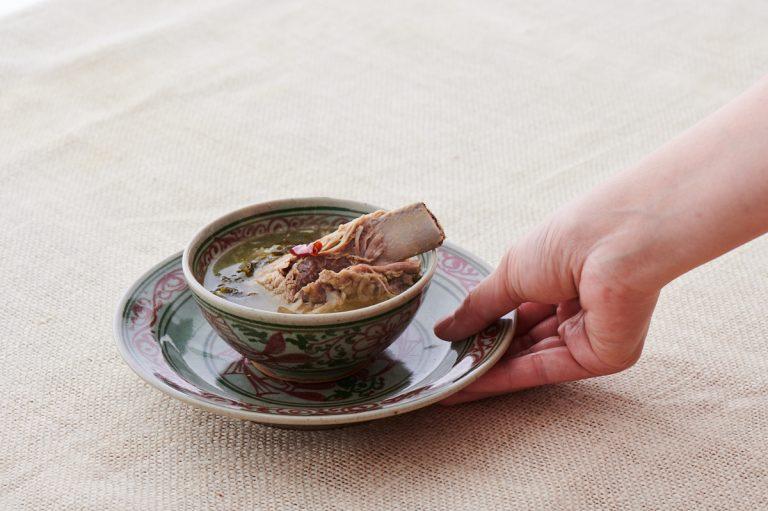 「チェンマイ風 お漬物とスペアリブの干し納豆スープ」