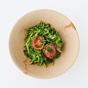 料理家さんたちが提案!ご当地おみやげのアレンジレシピ「タイヤイ族風 パクチーの干し納豆サラダ」