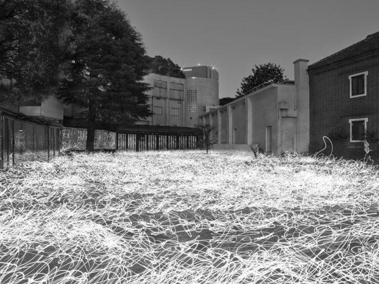 佐藤時啓『光─呼吸』ピグメントプリント2020©TokihiroSato