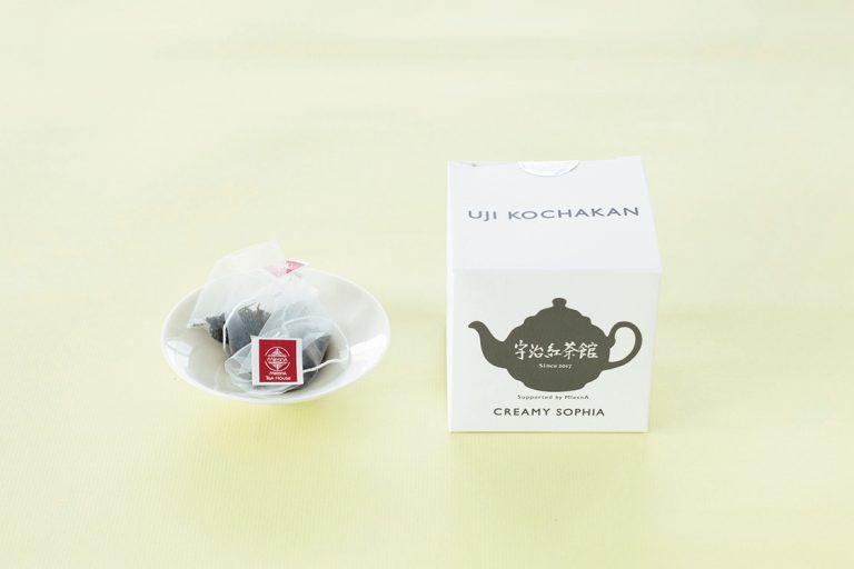 〈宇治紅茶館〉のキューブボックス