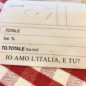 """お会計伝票までイタリア仕様!""""IO AMO L'ITALIA,E TU?(私はイタリアが好き。あなたは?)"""""""