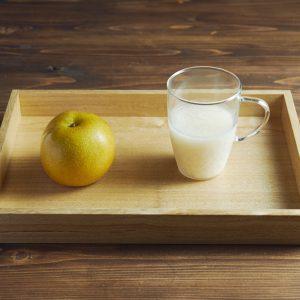[材料] ★甘酒…200cc ・梨…1/4個  (★は発酵食品)