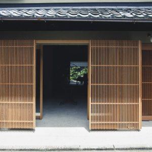 〈となりの村田〉/岡崎
