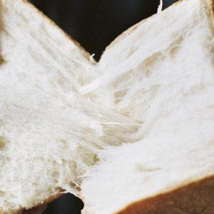 ふわふわ食感に夢中!今チェックすべき最新「甘とろ食パン」6選【東京×ベーカリー】