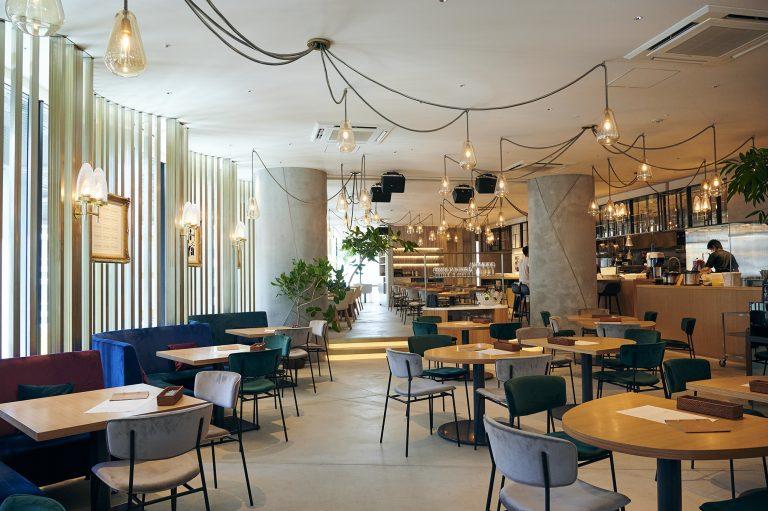 都会的な雰囲気の内装は世界的インテリアデザイナー・森田恭通さんによるもの。