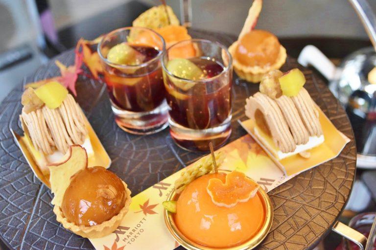 ブラウン、オレンジ、ワインカラーなど目で秋の訪れを感じる。