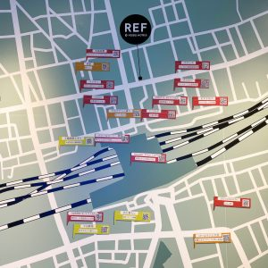 入り口すぐにある〈レフ大宮 by ベッセルホテルズ 〉周辺マップ。
